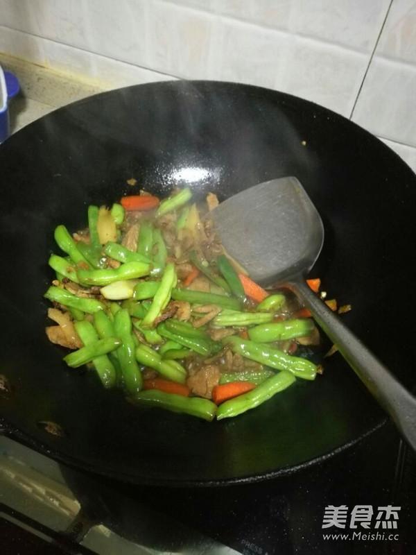 四季豆肉末西红柿鸡蛋面条怎么炒