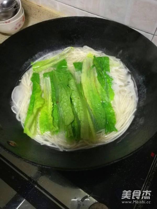 四季豆肉末西红柿鸡蛋面条怎样炒