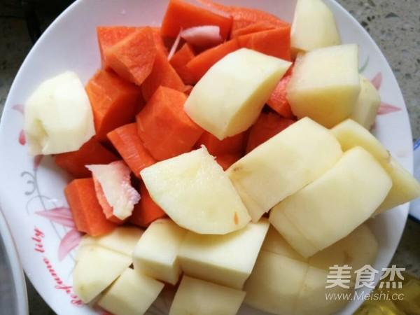 土豆胡萝卜烧牛腩怎么吃