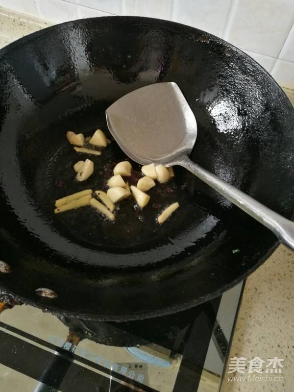 土豆胡萝卜烧牛腩怎么做
