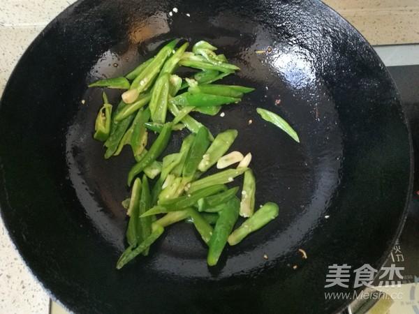 青椒炒鸭蛋怎么炒