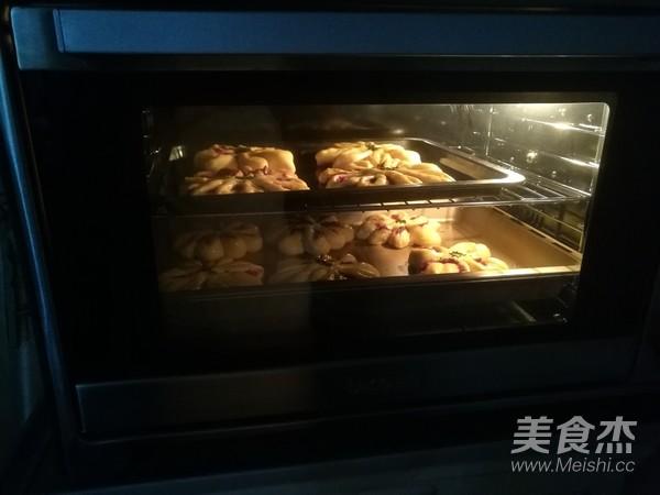 紫薯花瓣面包怎么煸