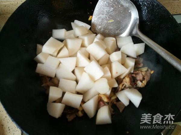 香辣白萝卜炖牛肉怎么做
