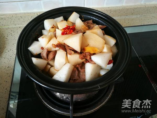 香辣白萝卜炖牛肉怎么炒