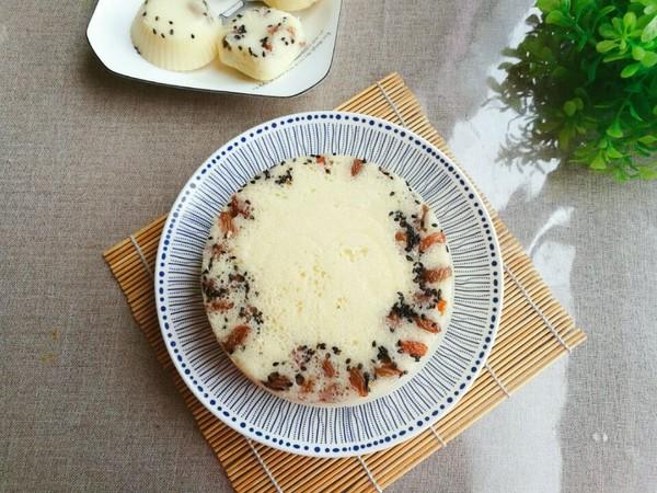 葡萄干大米发糕成品图