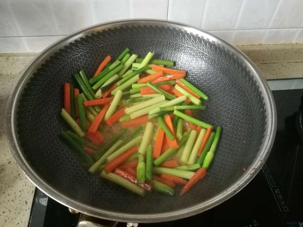 蒜苔胡萝卜炒肉丝的家常做法