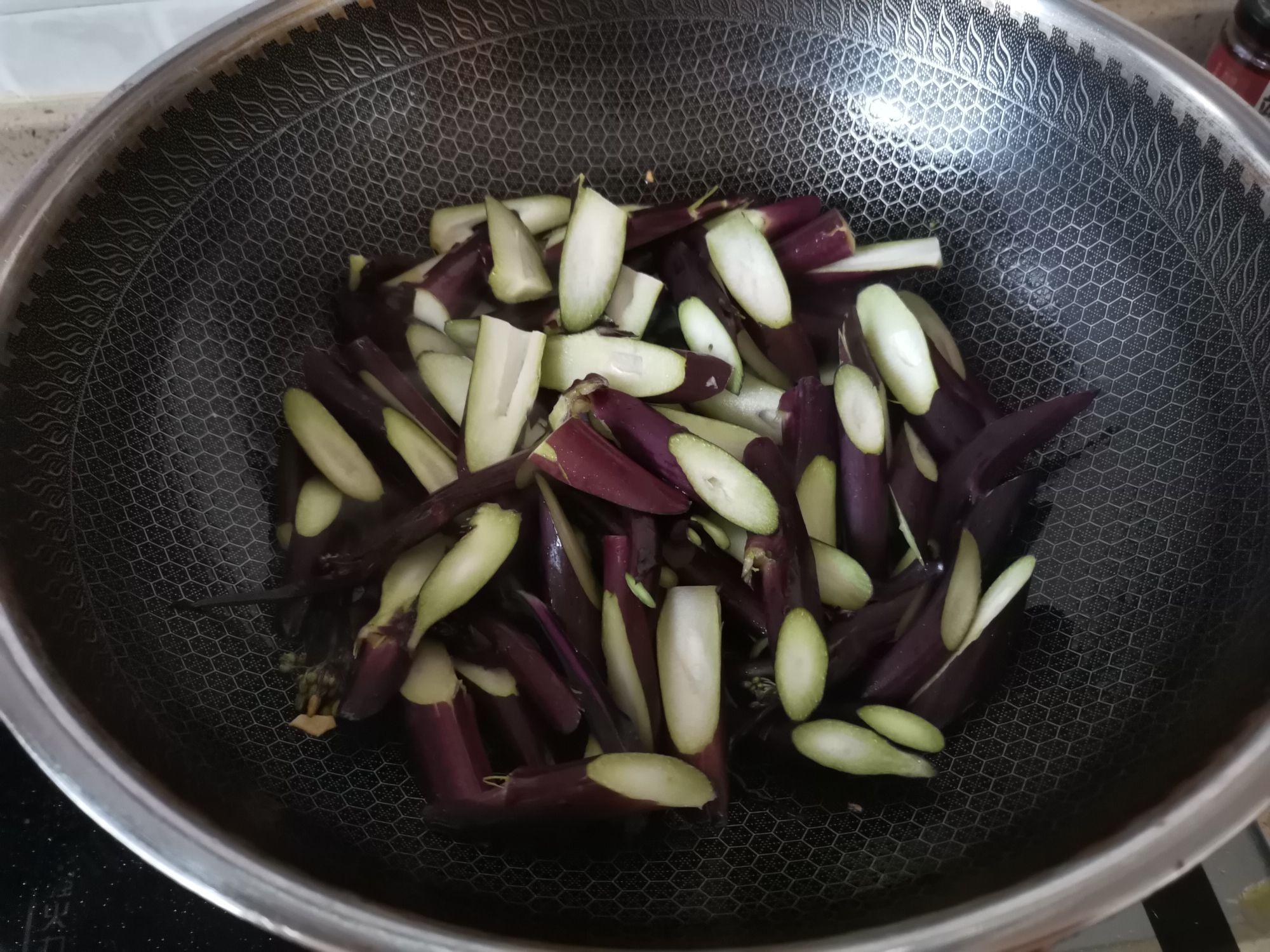 蒜蓉炒红菜苔的家常做法