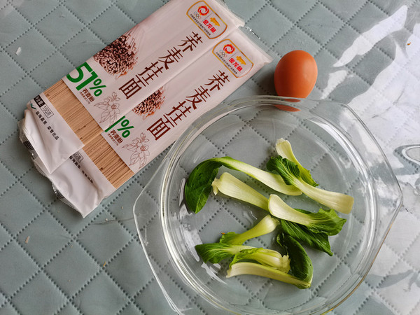 鸡蛋青菜蒜香荞麦面的步骤
