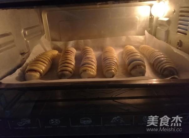 毛毛虫豆沙面包怎样炒