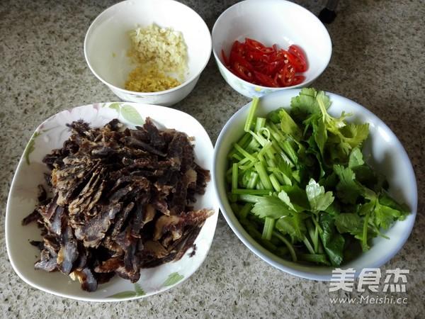 芹菜炒腊牛肉的做法大全