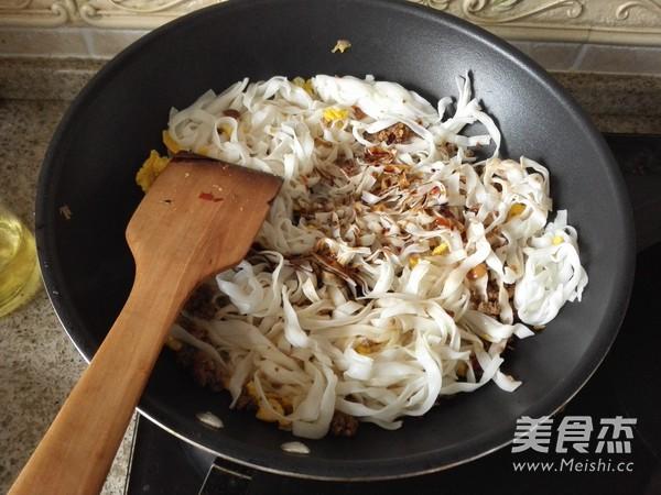 牛肉炒粉的简单做法