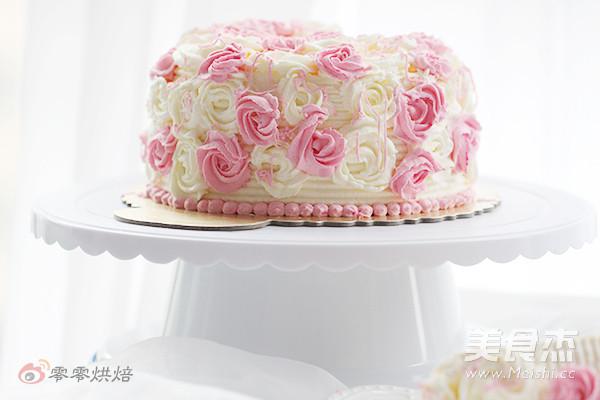 玫瑰花奶油蛋糕成品图