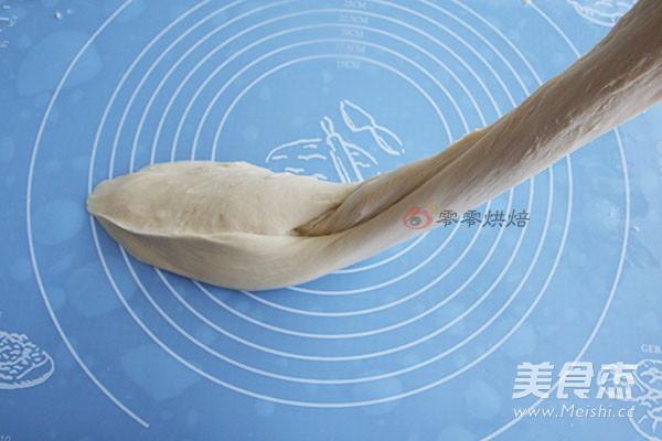 牛奶花朵面包的家常做法