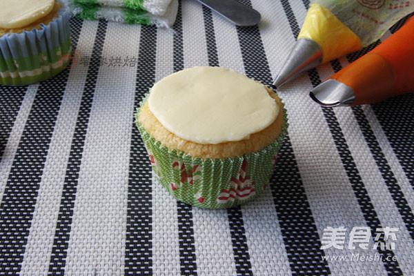花朵纸杯蛋糕怎样做