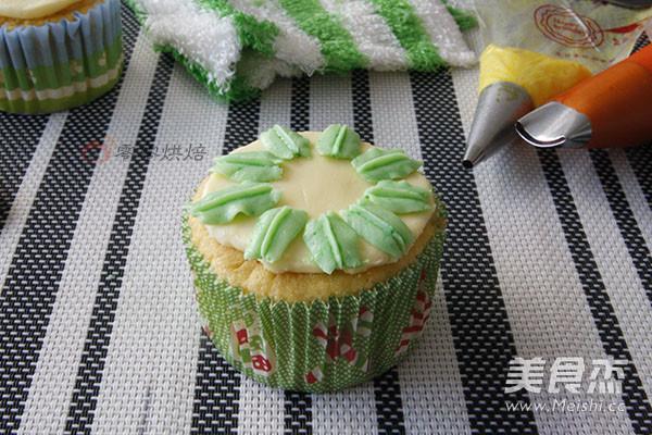 花朵纸杯蛋糕怎样炒