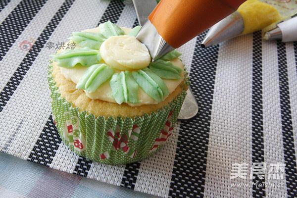 花朵纸杯蛋糕怎样煮