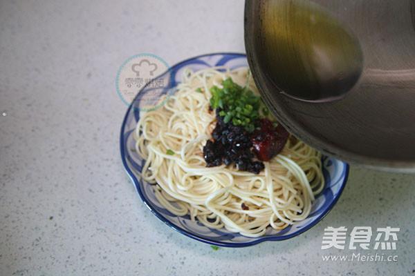贵州豆豉辣酱风味酱拌面的做法大全