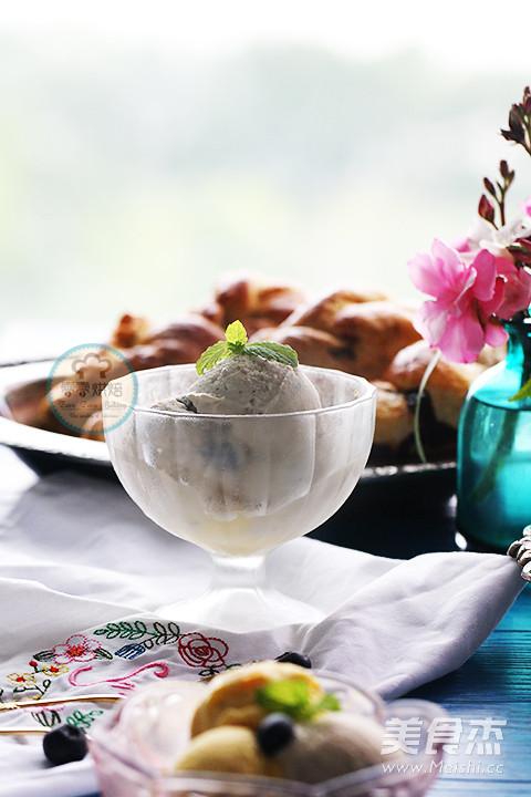 蓝莓冰淇淋的制作