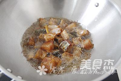 香煎草鱼块的简单做法