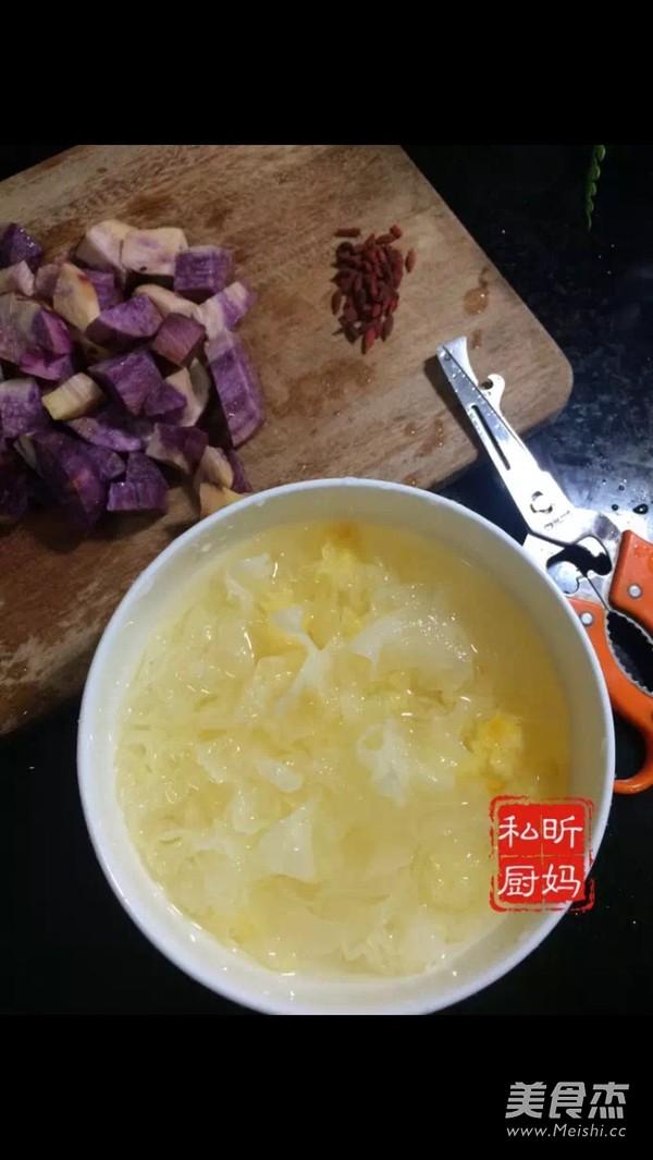 紫薯银耳羹的家常做法