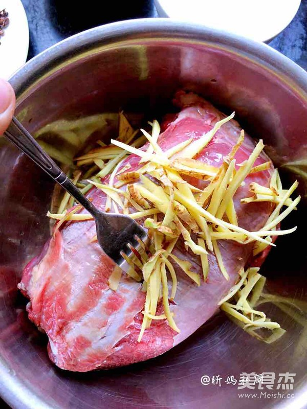 卤牛肉的简单做法