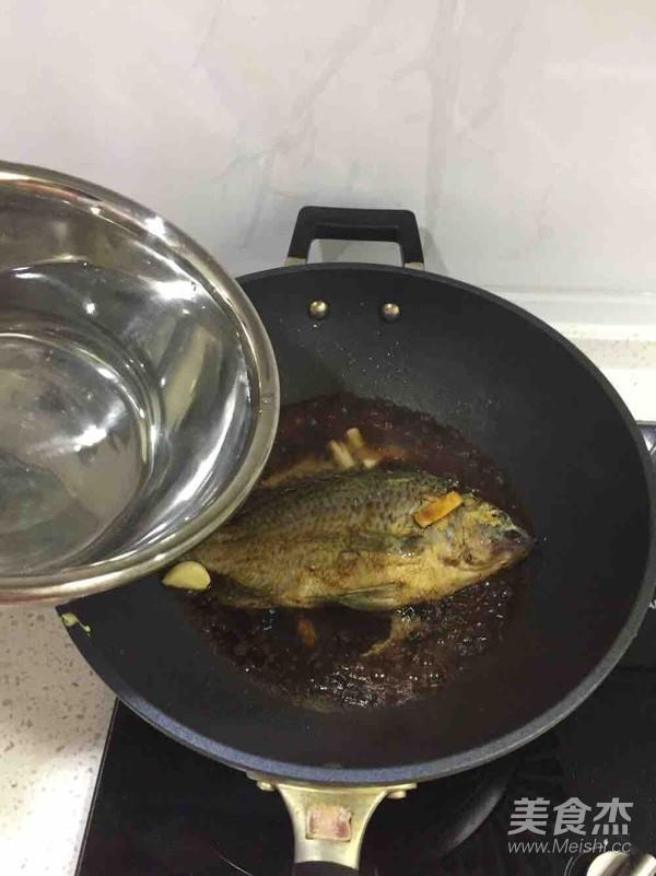 家熬罗非鱼的简单做法