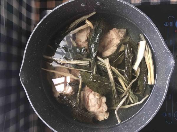 菜干薏米猪骨汤的简单做法