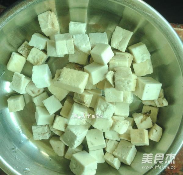 茯苓薏米猪骨汤的家常做法