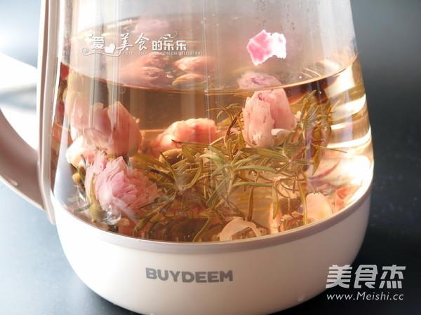迷迭香玫瑰月季茶的简单做法