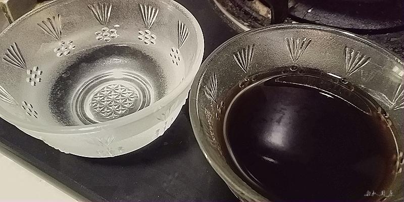 椰汁黑白冰粉怎么做