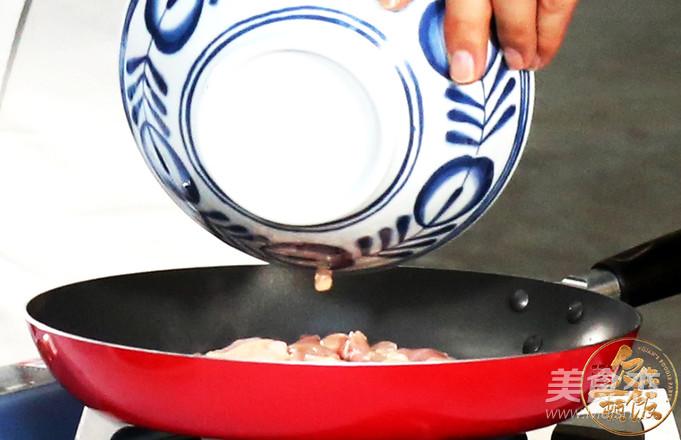 小米椒爱上小公鸡的简单做法