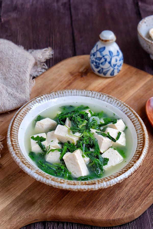 荠菜豆腐汤成品图