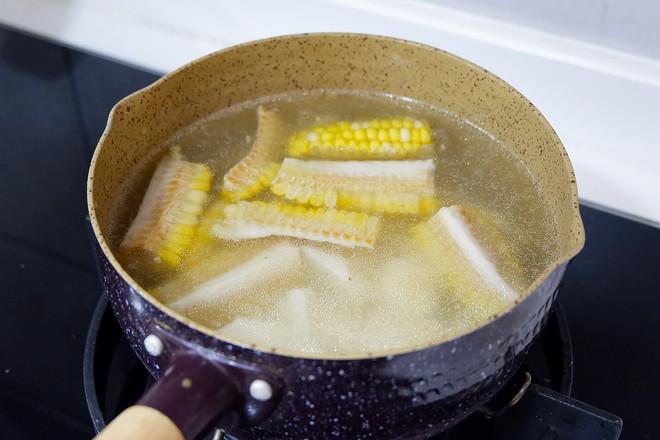 山药玉米扇骨汤的步骤