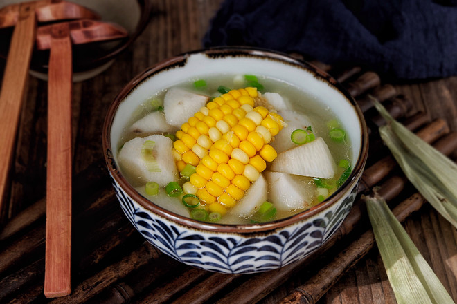 山药玉米扇骨汤成品图