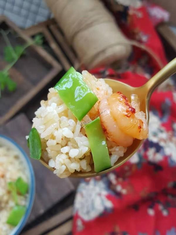小龙虾芥末沙拉酱炒饭成品图