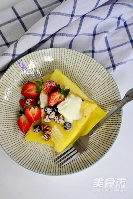 草莓可丽饼成品图