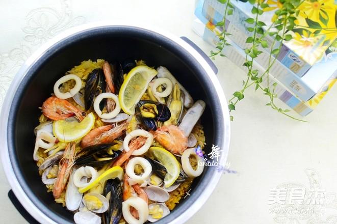 西班牙海鲜饭成品图