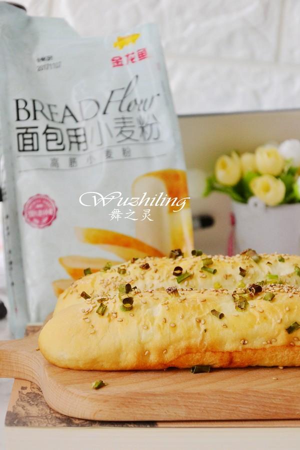 香葱肉松面包成品图