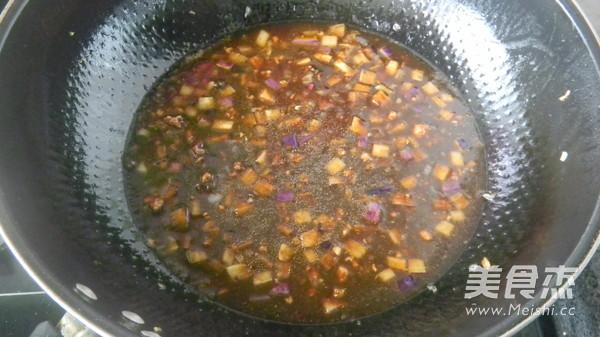 茄丁炸酱面怎么做