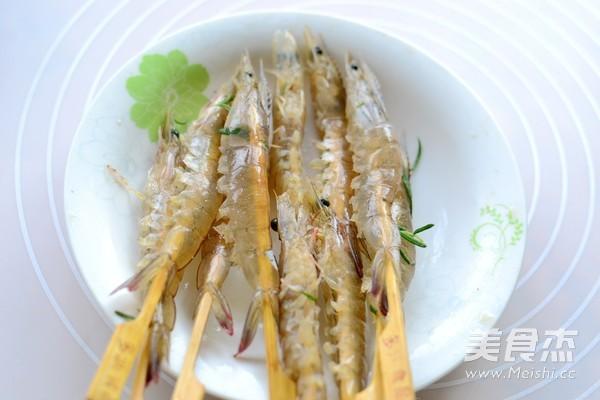 迷迭香盐焗虾的家常做法