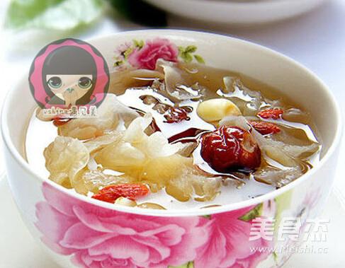春季降燥雪梨百合银耳汤怎么吃