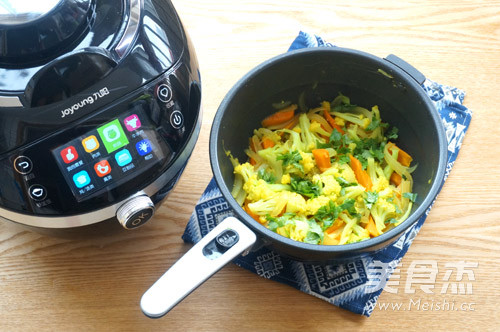 咖喱菜花炒胡萝卜的制作
