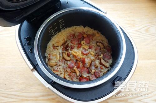 腊肠糯米饭的制作