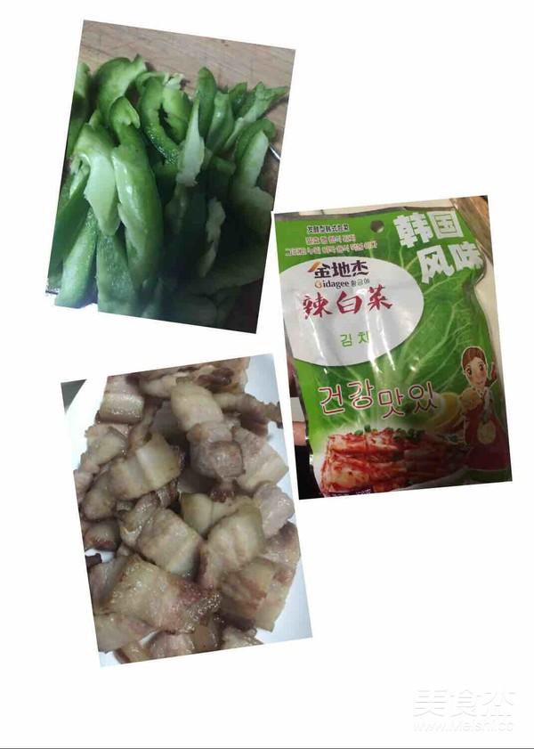 五花肉炒辣白菜青椒丝的做法大全