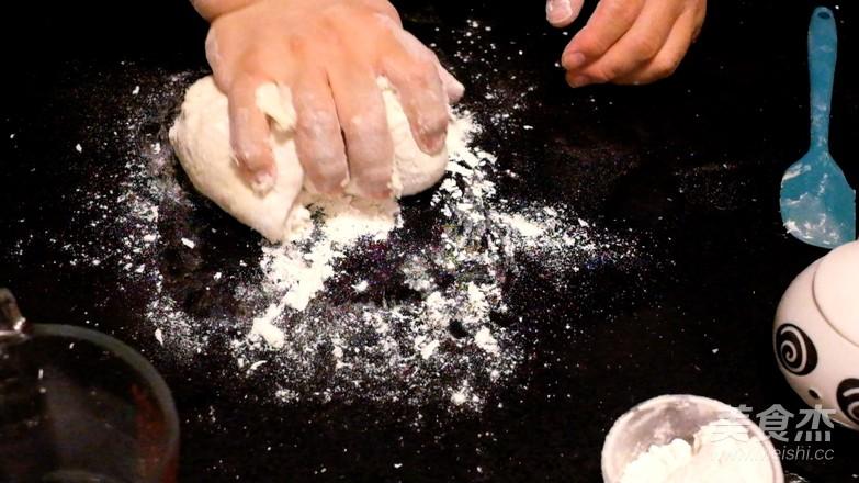 双色腊肠卷的简单做法