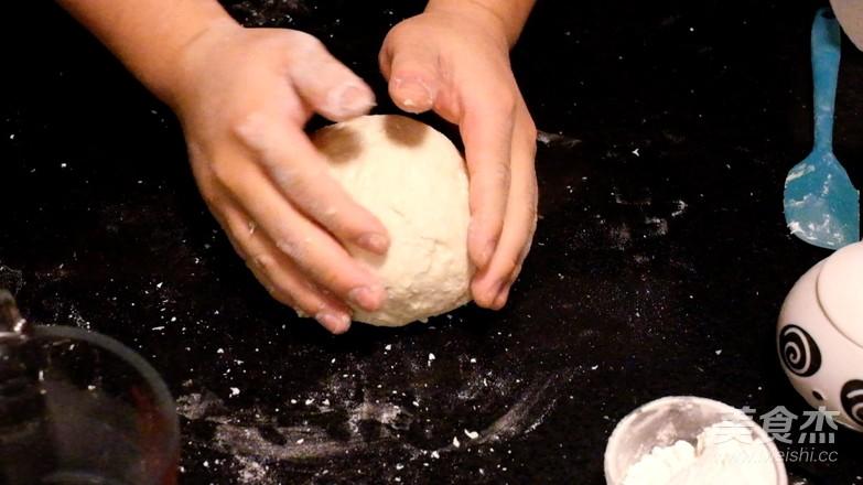 双色腊肠卷怎么吃