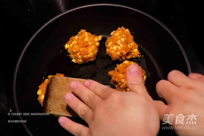 鸡胸脯肉玉米汉堡 + 韩式辣鸡面怎么炖