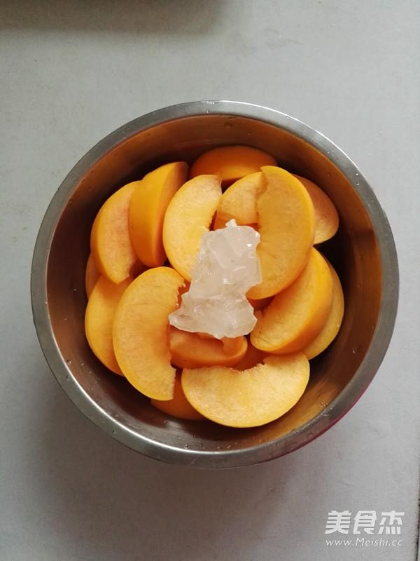冰糖黄桃的做法图解