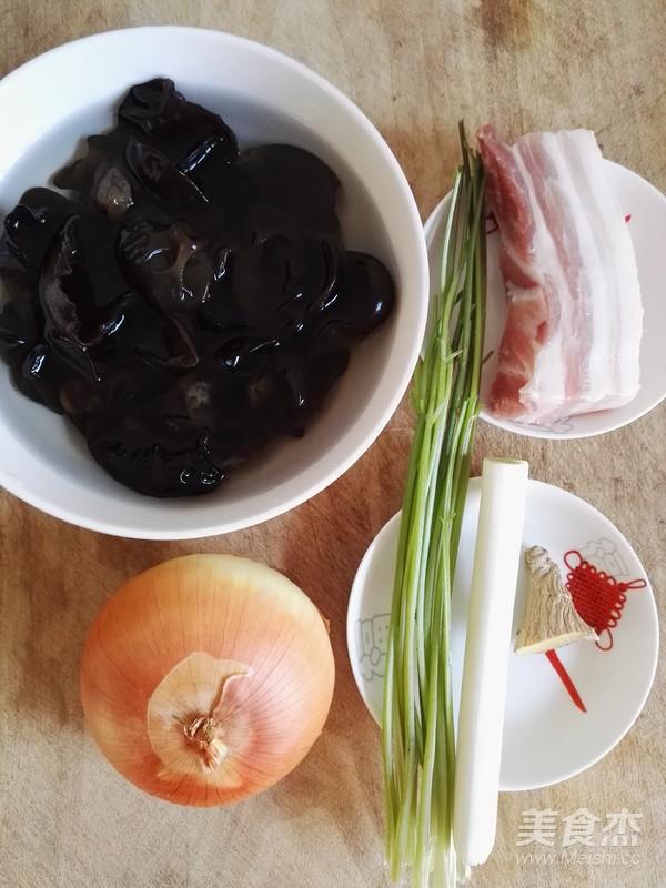 黑木耳洋葱炒五花肉的做法大全