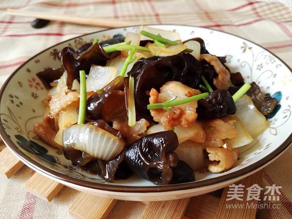 黑木耳洋葱炒五花肉怎样煮